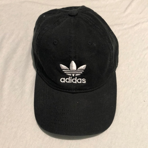 61b615fbc81 adidas Accessories - ADIDAS ORIGINALS PRECURVED WASHED STRAPBACK HAT
